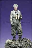 Alpine Miniatures WW2 German Winter Panzer Officer 1:35