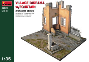 Miniart  Village Diorama w/Fountain  1:35